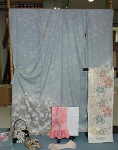 山喜のしだれ桜と名古屋城の夜桜