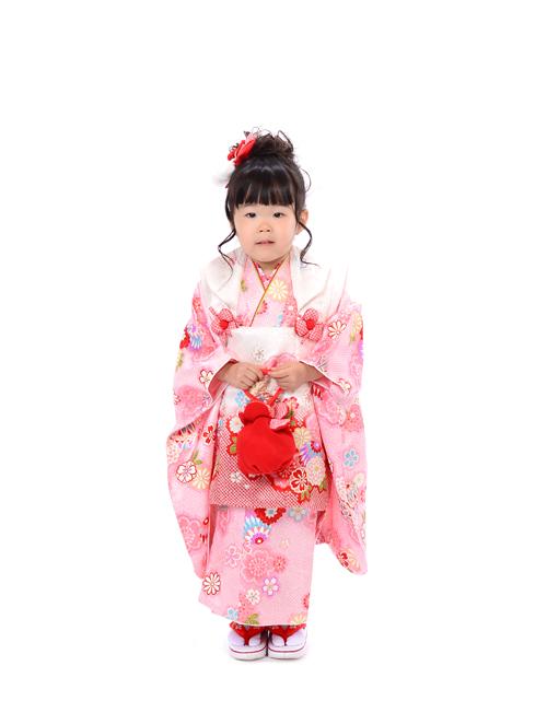 七五三 3歳 女の子 優しいピンクの着物で撮影♪