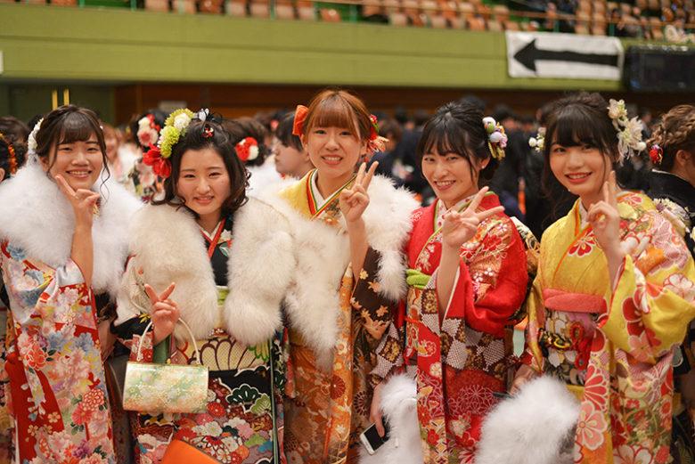 春日井市成人式会場でお振袖の写真撮らせて頂きました!