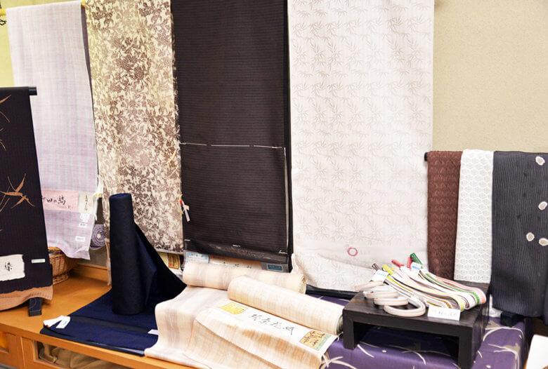 秋の紬、お召し着物【渡敬 帯締めフェア】開催♪